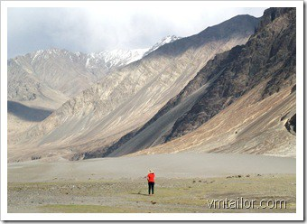 Nubra Valley desert by Vivek Tailor